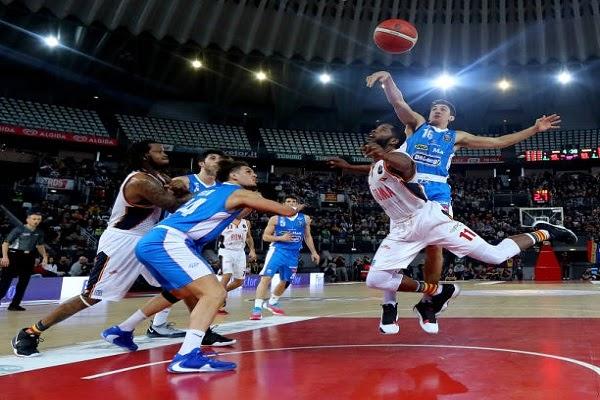 Soi kèo cá cược bóng rổ cần dựa vào đội hình thi đấu