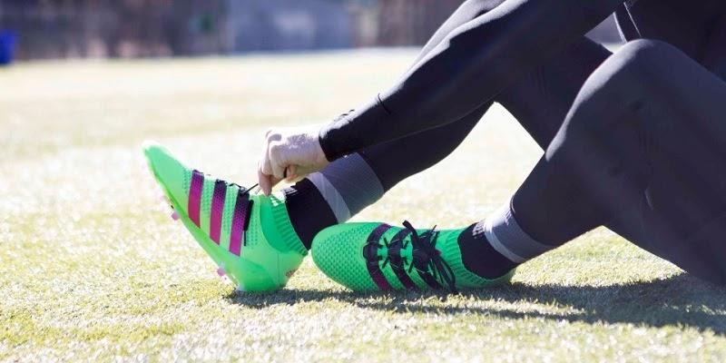 Hướng dẫn cách chọn giày phù hợp ở vị trí tiền vệ